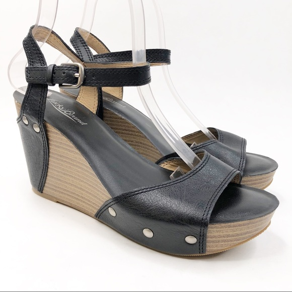 Lucky Brand Black and Wood Wedges